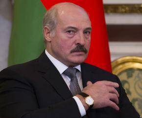 Рейтинг Лукашенко недотягивает и до30%