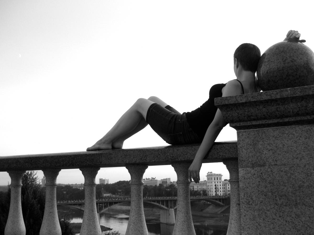 Безе от Ирины Денисовой: без имен, без конкретики и на одном дыхании