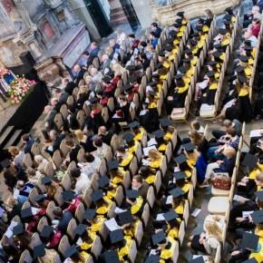 ЕГУ: церемония вручения дипломов2018