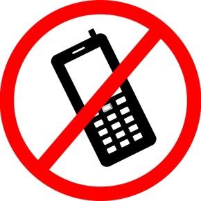 Во Франции запретили мобильные телефоны вшколах