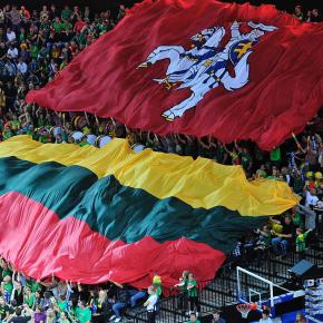 Литовцы стали чувствовать себясчастливее