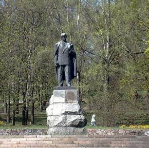 О памятнике «предателю» в центреВильнюса