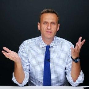 Навальный рассказал о лицемерии массажиста Путина и квартире министраМединского
